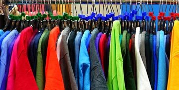 This page is dedicated to leisure, work, technical and promotional clothing.<br /><br />You will find below comfortable, original, convenient, high-fit garments, perfect for being worn at any time of the day.<br /><br />We have selected for you clothing with a unique style and suitable for all, available in many colors and of undisputed quality.<br /><br />Browsing this section you can also create and define a new image of your company by choosing personalized clothing for you or your employees.<br /><br />Gls72 has always been committed to the search for comfort and well-being of those who work, guaranteeing a careful choice of high quality clothing from the best brands in the sector such as Payper, Payper Work, Deltaplus, Cofra.